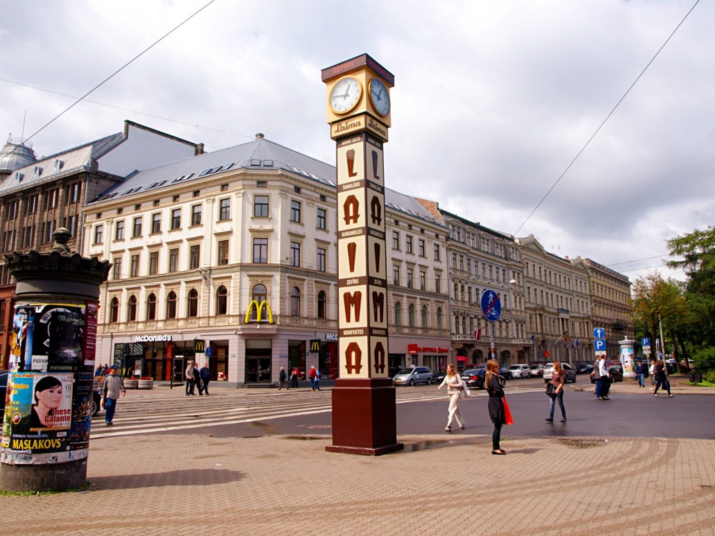 riga-laima-clock-meeting-point