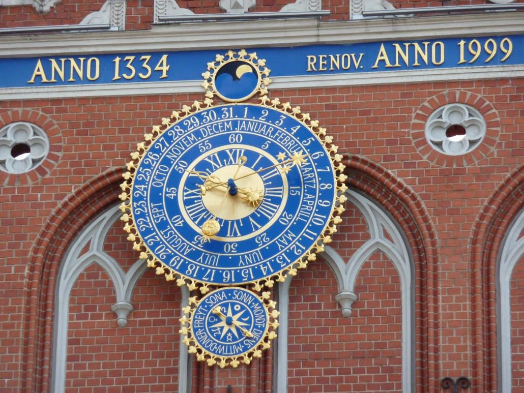 Riga_-_House_of_the_Blackheads_-_Astronomical_clock